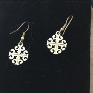 Jewelry - Pair of Gold Tone Earrings